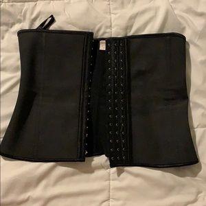 Neoprene waist trainer size medium